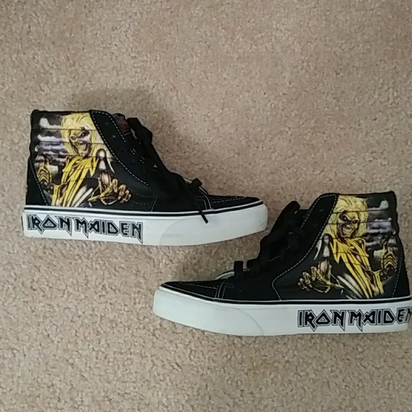 2bf2bea42ce Vans Limited Edition Iron Maiden Killers Hi-Tops. M 5ba1bc9fbb76157311228194